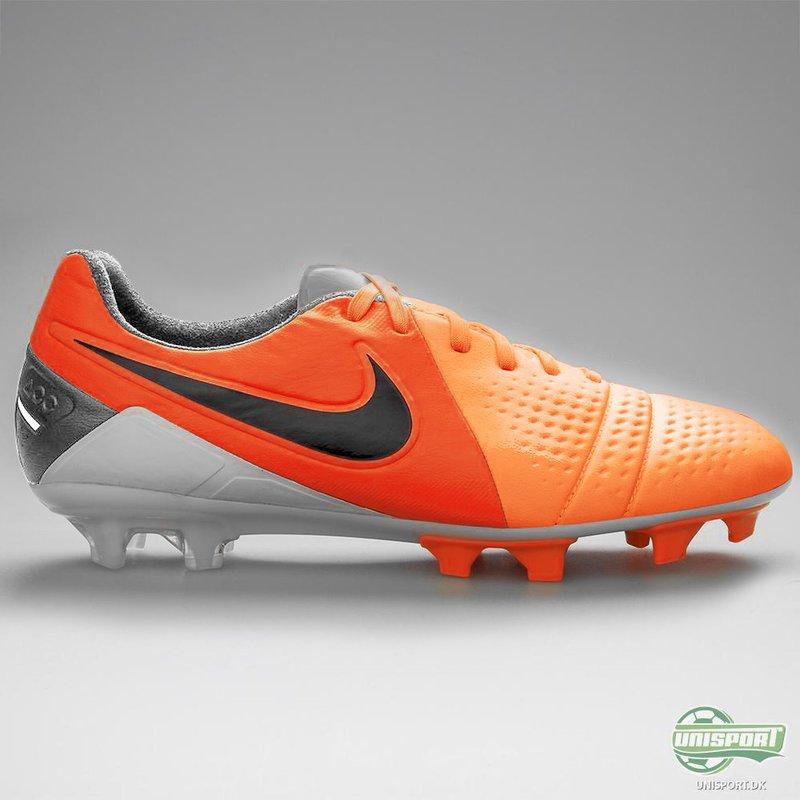 PES 2013: Boot Nike CTR360 Maestri 2013/14 Orange/Silver