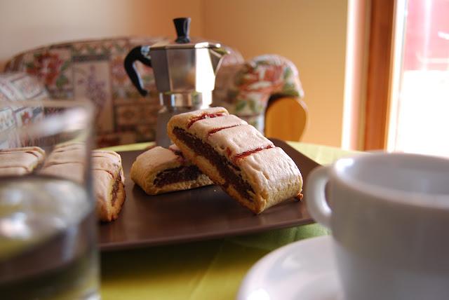 biscotti all'amarena pan di spagna frolla napoletani strega procedimento