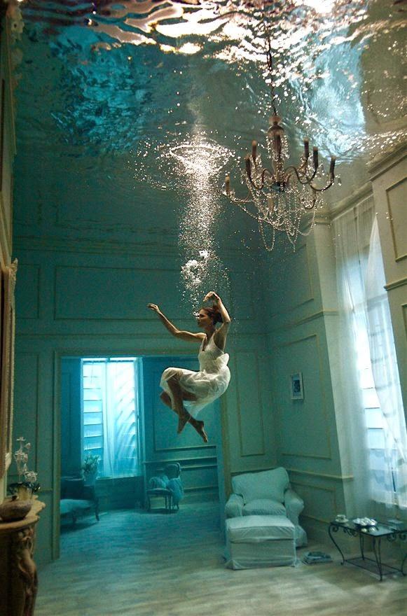 Surreal underwater photograph by Phoebe Rudomino | Ses Rêveries