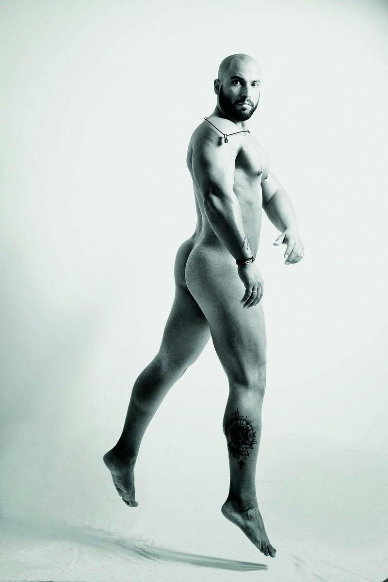 naked bum