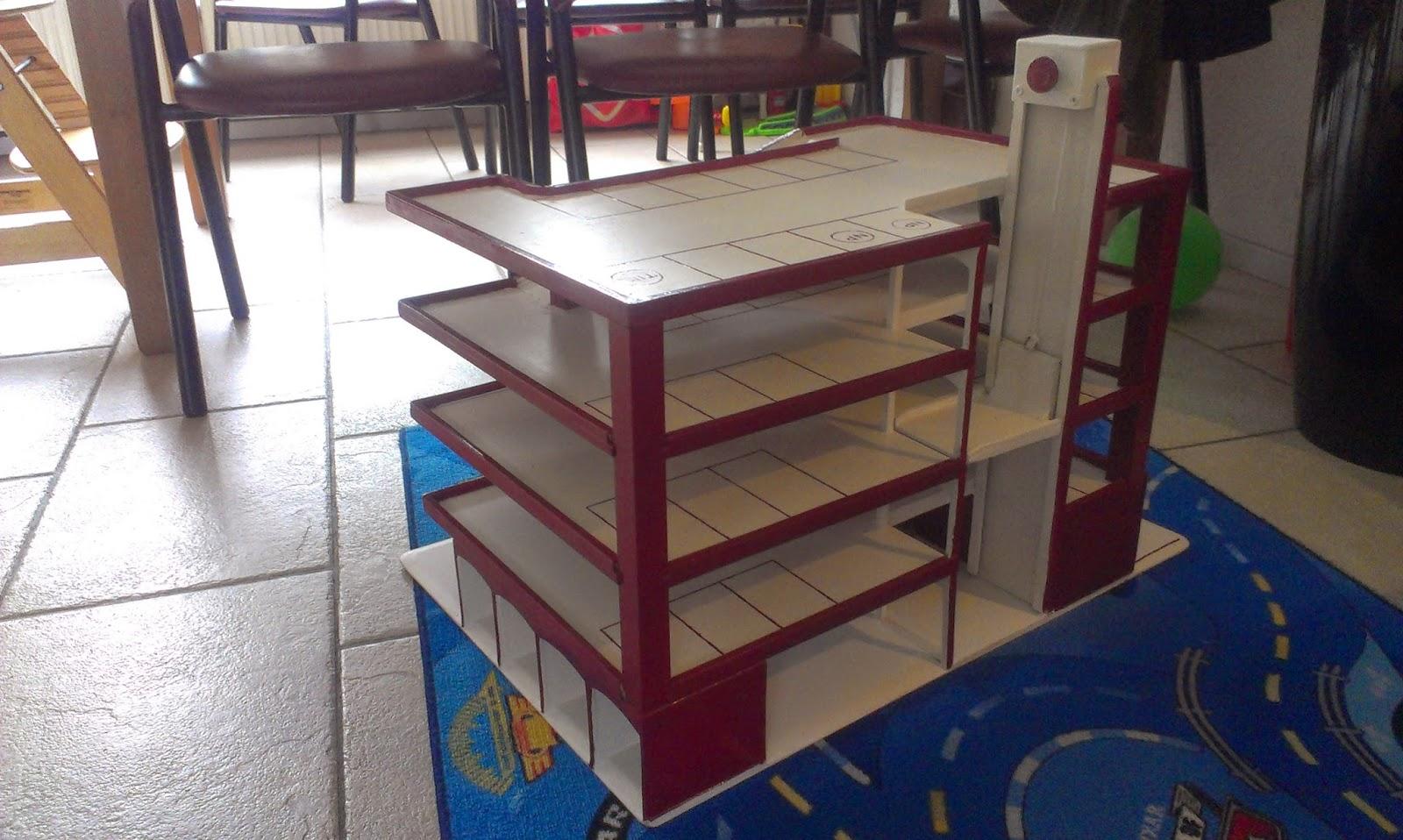 Speelgoed Garage Hout : Mammalous speelgoed garage