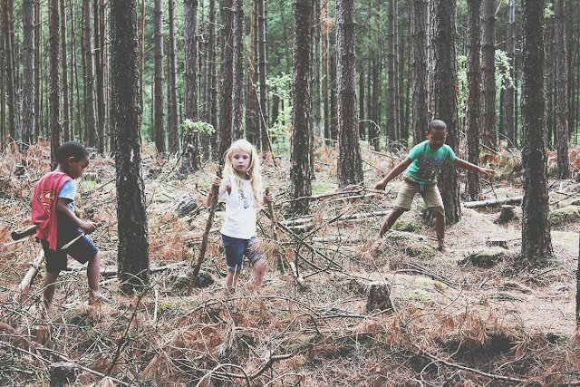 ringwood-forest-kids-playing-forest-playground-todaymyway