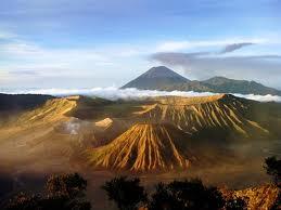 Lokasi Fenomena Alam Terbaik Di Indonesia