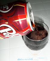 Băutură răcoritoare carbogazoasă cu aromă de cireșe și vanilie