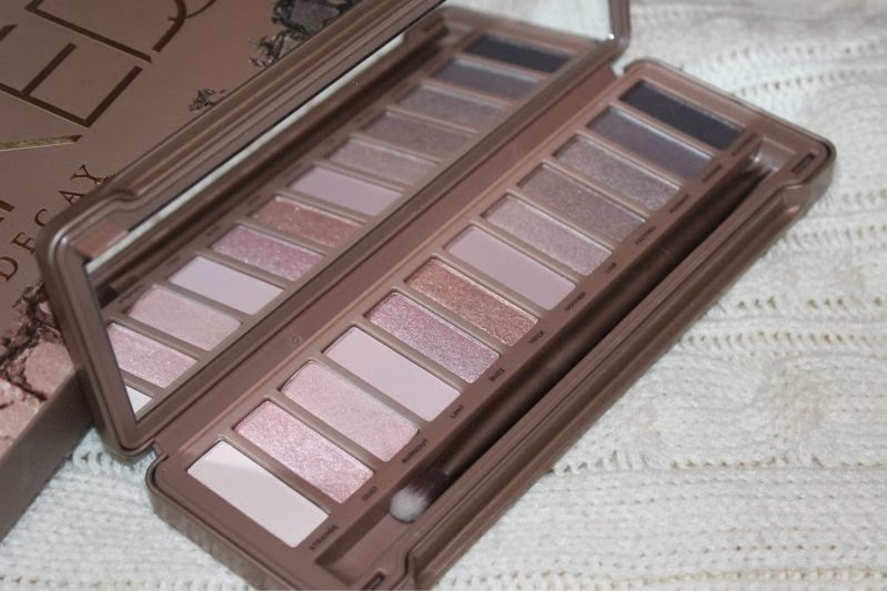urban decay naked 3 palette review the sunday girl. Black Bedroom Furniture Sets. Home Design Ideas
