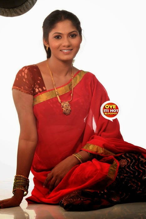 Shruthi Reddy Beautiful Pics In Sarees Cute Marathi Actresses
