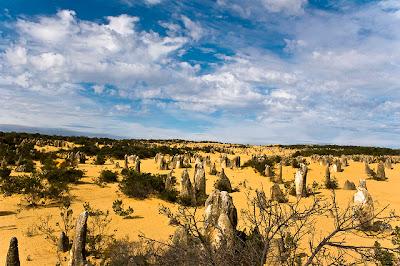 El extraño desierto de los Pináculos Australiano.
