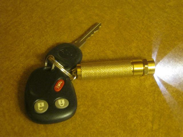 Sunwayman R01A lit on my keychain