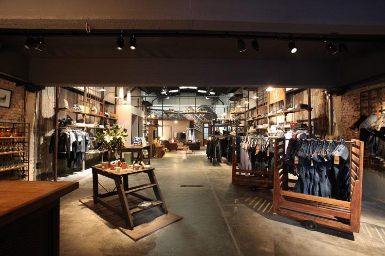 Inaugur Loft Designed By Una Tienda De Ropa Muebles Y