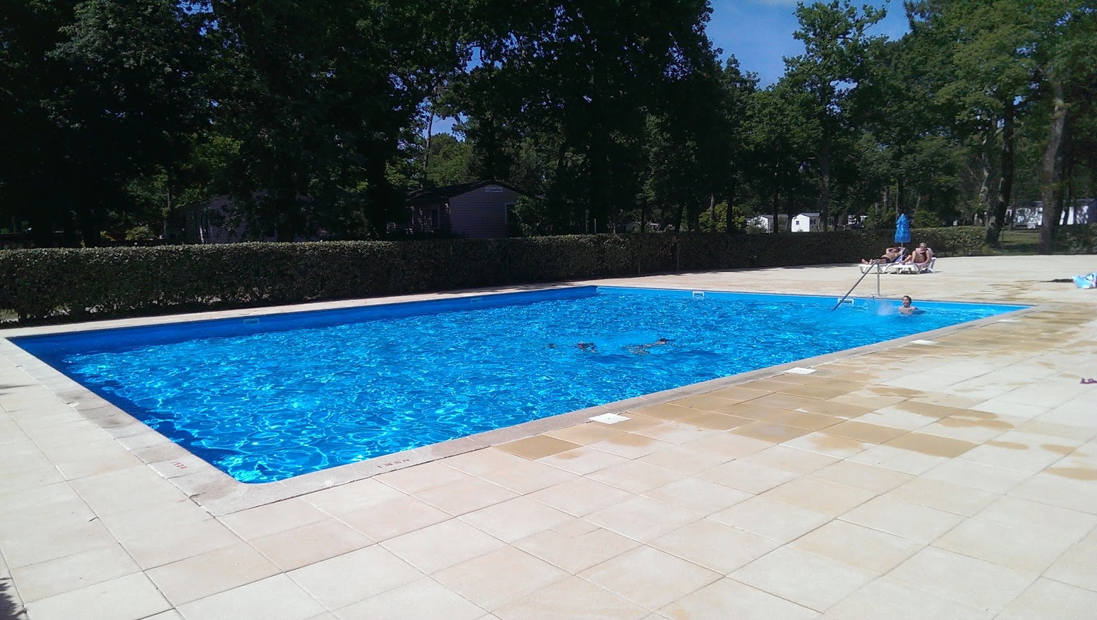 Camping fontaine vieille ouverture de la piscine for Ouverture piscine