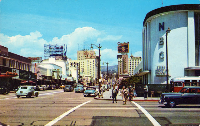 Vintage Everyday Color Photos Of Hollywood California In