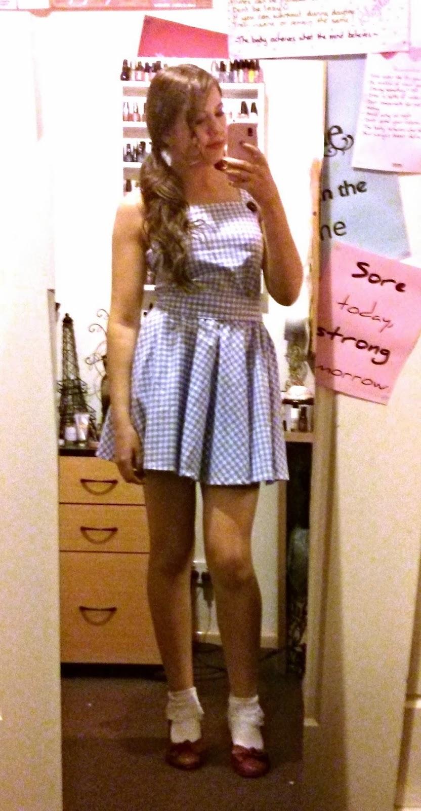 besweetxo: Dorothy (Wizard Of Oz) DIY Costume