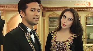 Pernikahan Arumi Bachsin & Emil Dardak menggunakan adat Palembang 2013 (Video Youtube)