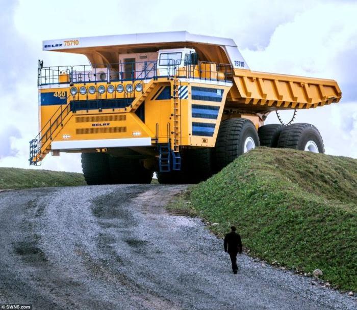 The largest dump truck in the world (24 photos) 24Warez.Ru 59