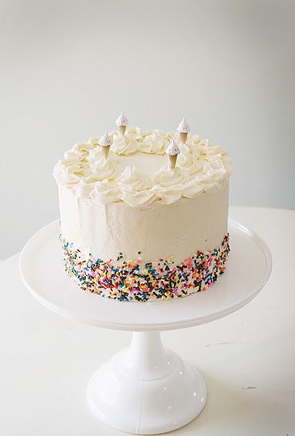 Photos Of White Birthday Cake : Pink Peach Cakes: Happy Birthday