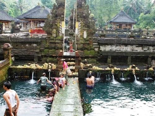 Pura Tirtha Empul - Bali
