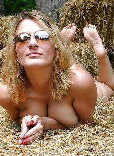 Ordinary Women Nude - sexygirl-farmer-722098.jpg