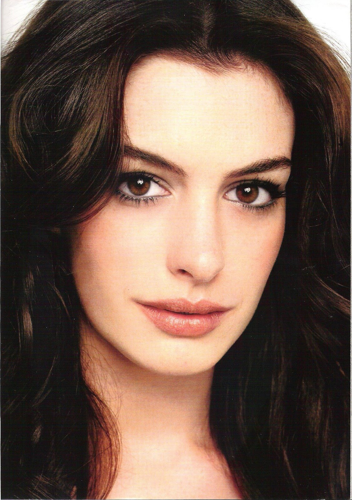 http://4.bp.blogspot.com/-LncJdjrVLw8/Ty-6TGvA8qI/AAAAAAABpRY/YqBaY9Q6hfg/s1600/Anne+Hathaway+hairstyle+pictures+(1503).jpg