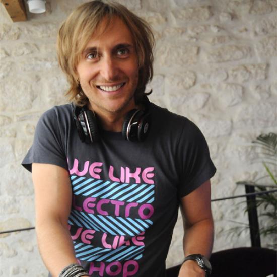 David Guetta - Falling To Pieces lyrics