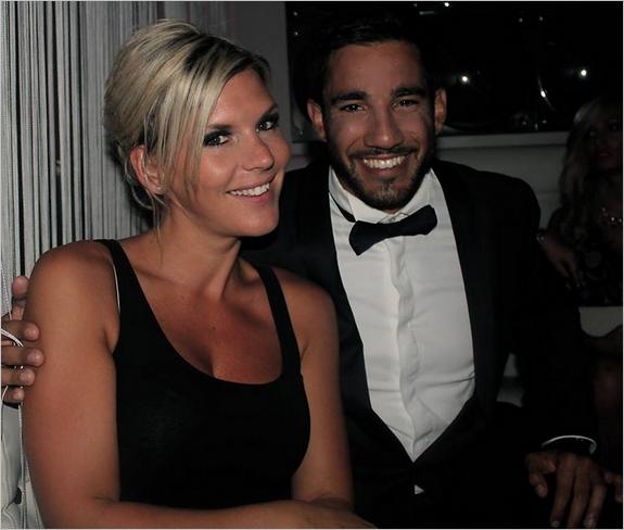http://fr.blastingnews.com/divertissement/2015/05/les-anges-7-amelie-discrete-sur-son-couple-mais-pas-trop-00391151.html