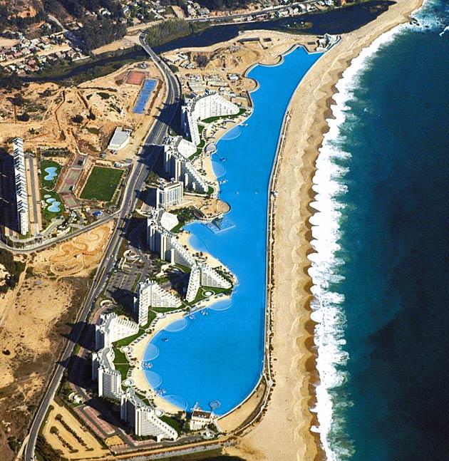 Justacargal world 39 s largest pool chile for Piscine du monde