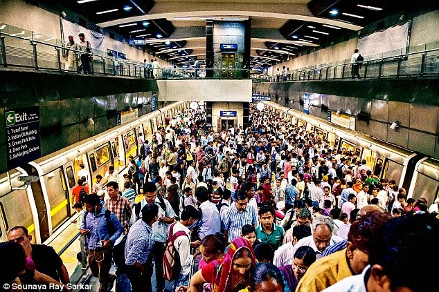 Welcome to Rajeev Chowk Metro Station! Please stand behind the yellow line and enjoy the crowd :)