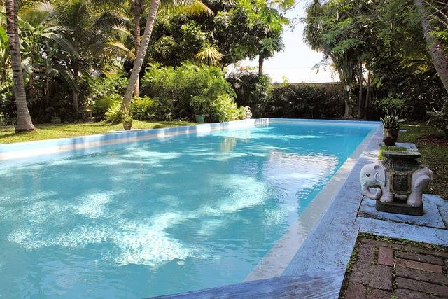 gambar desain kolam renang rumah minimalis