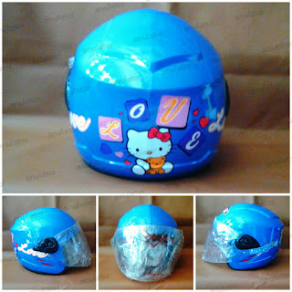 Helm anak Hello Kitty Love