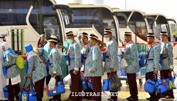 Calon Haji Kloter Sembilan Lakukan Tawab Umrah