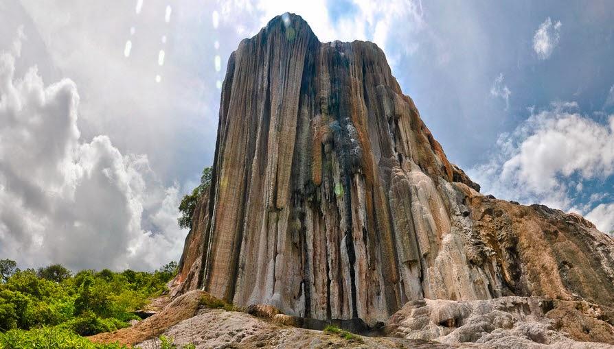 cascada-petrificada-Valle-de-Mitla-México