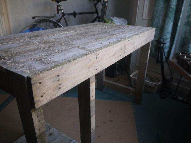 Escritorio para pc clasico de madera - Como hacer una mesa con palets ...