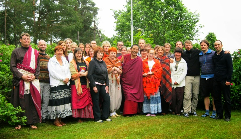 Group picture with Lama Tsering Rinpoche at the Drikung Kagyu Center, Pärnu (Estonia)