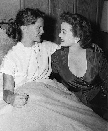 Junto a Bette Davis (1952)