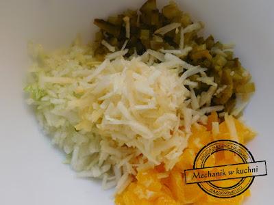 wymieszaj składniki sałatka salat orange merry christamas xmas zawijańce