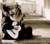 Ven y gasta conmigo todas esas ganas de besar