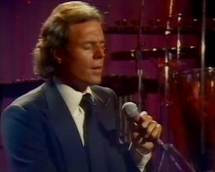videos-musicales-de-los-80-julio-iglesias-beguin-the-beguine-volver-a-empezar