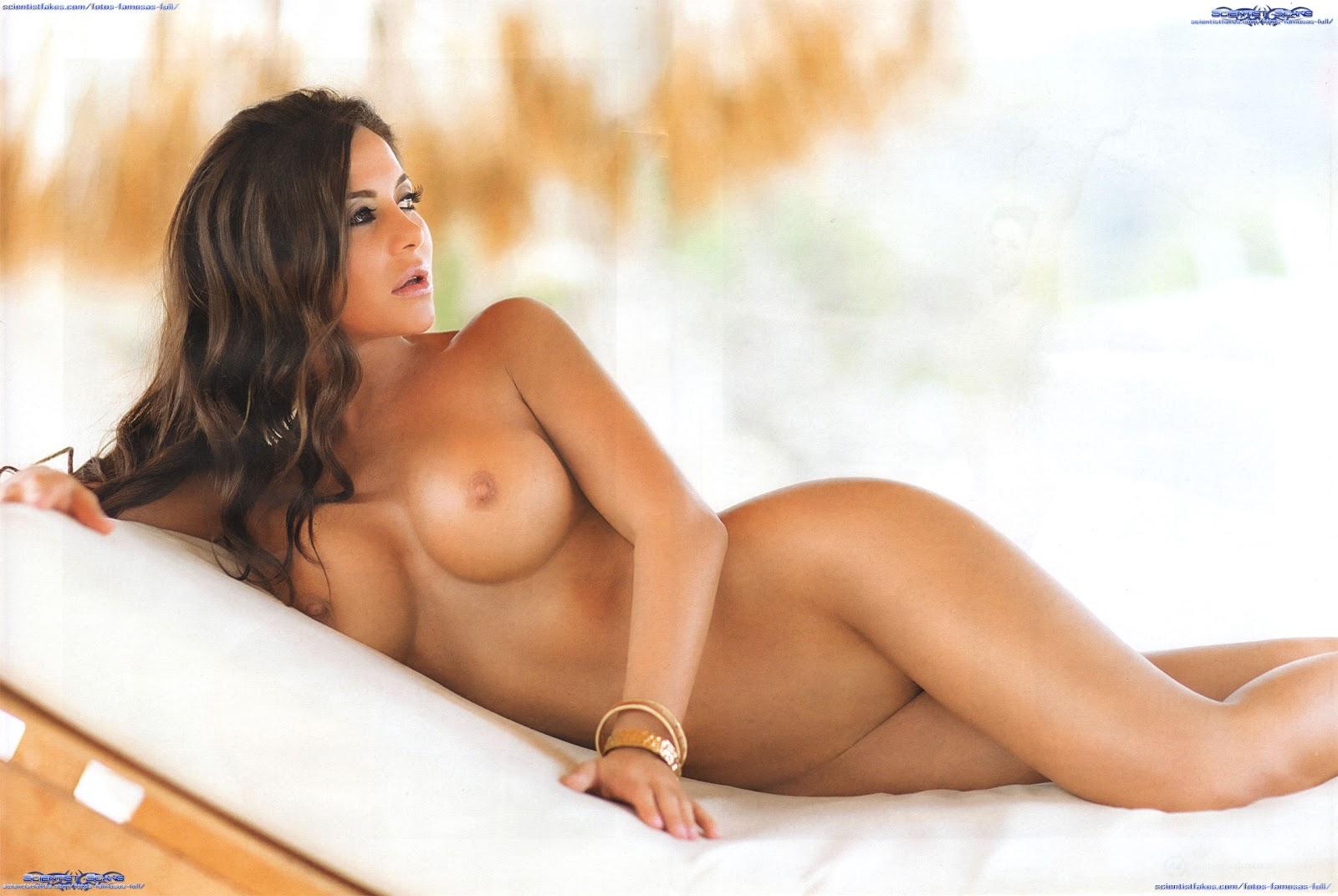 Julia Orayen Nude