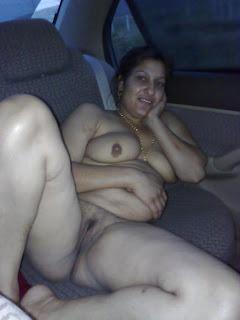 aunty pussy sucking
