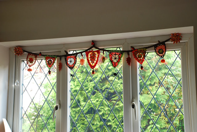 image of crochet Autumn inspired bunting