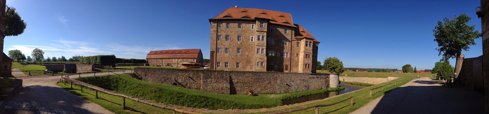 Panoramablick vom Burggraben