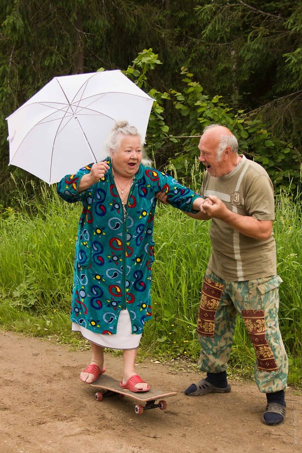 16 Elderly Couples Prove You're Never Too Old To Have Fun - You're Only As Old As You Feel