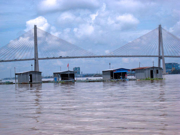 Puente Rach Mieu