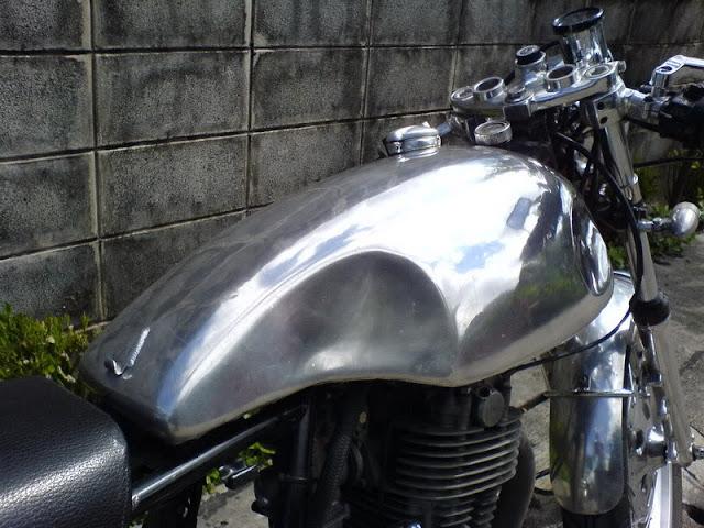 Video dự án độ Yamaha Sr500 Cafe Racer - P2:Gõ hông bình xăng