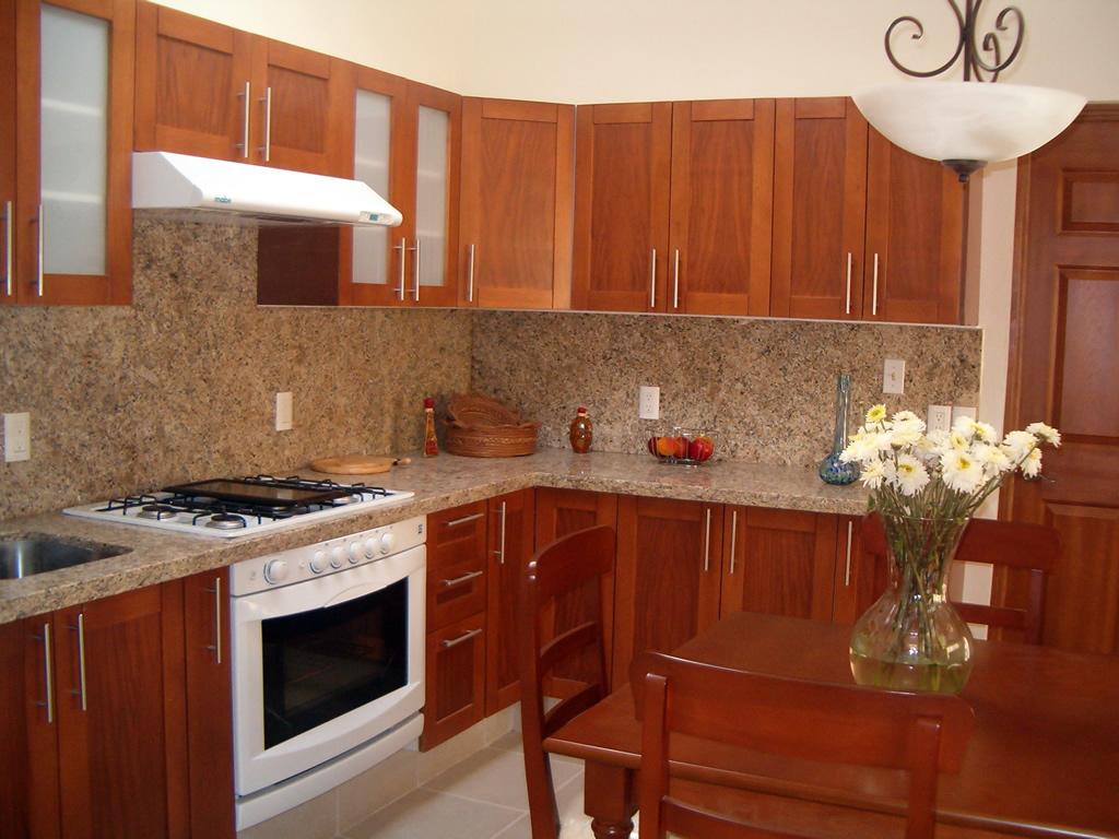 Como instalar mesones de cocina de granito youtube for Cocinas de granito