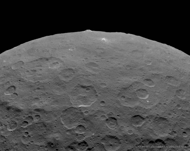 Bản quyền hình : NASA, JPL-Caltech, UCLA, MPS/DLR/IDA.