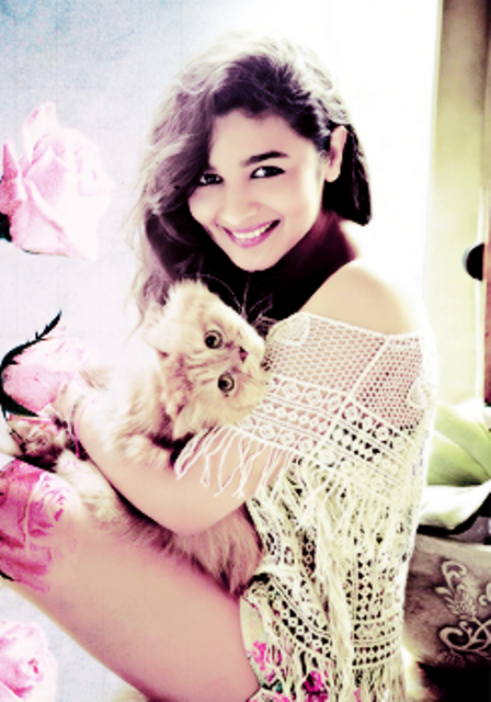 Humpty Sharma Ki Dulhania fame Alia Bhatt hd Wallpapers
