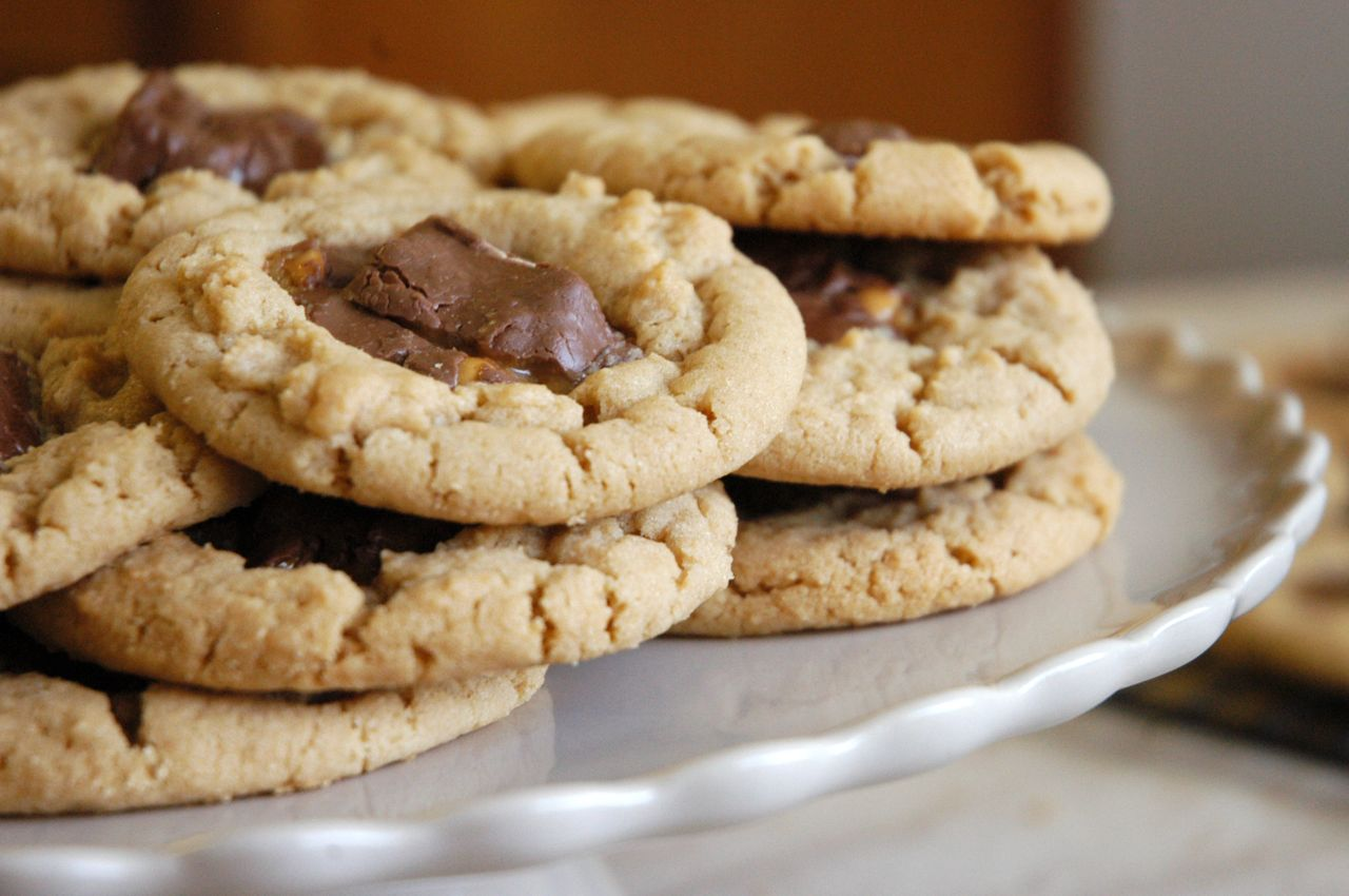 Snickers Peanut Butter Cookies - Adapted from Lovin From The Oven