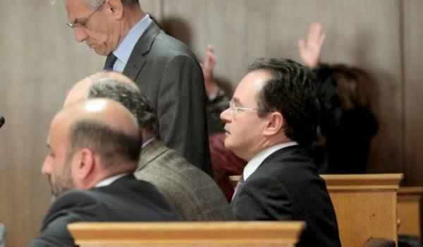 φυλάκισης ενός έτους με αναστολή στον Παπακωνσταντίνου