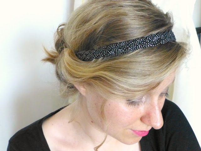 Comment dompter mes cheveux avec un headband !