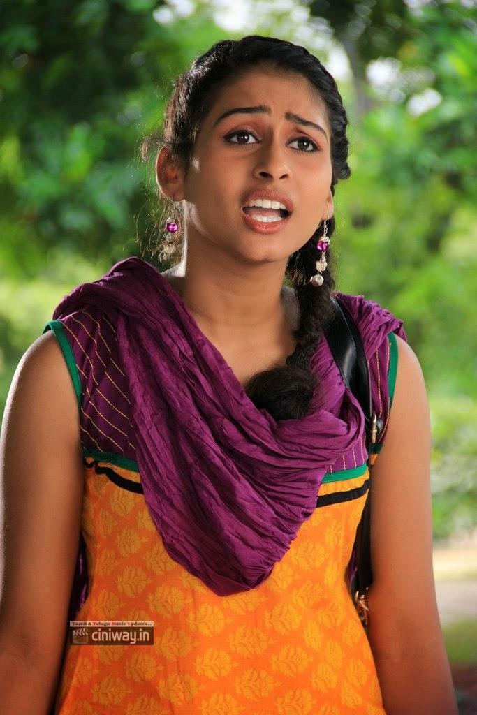 Chusinodiki-Chusinantha-Heroine-Nithya-Stills